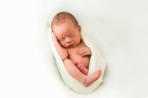 Babyfotos / NeugeboreneBilder in Fotostudio Köln