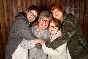 Familienbilder mit oma in Bergheim Fotostudio