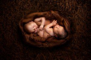 Zwilinge Babyfotos in Fotostudio Bergheim